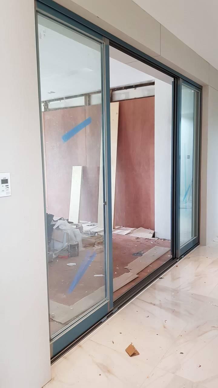 ประตูหน้าต่างอลูมิเนียมทอสเท็ม